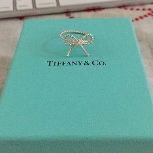 Tiffany & Co. Sterling Slvr Twist Bow Ring Sz: 10.